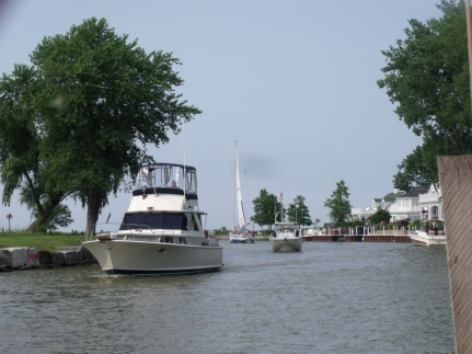 BoatsComingInVermilionRiver
